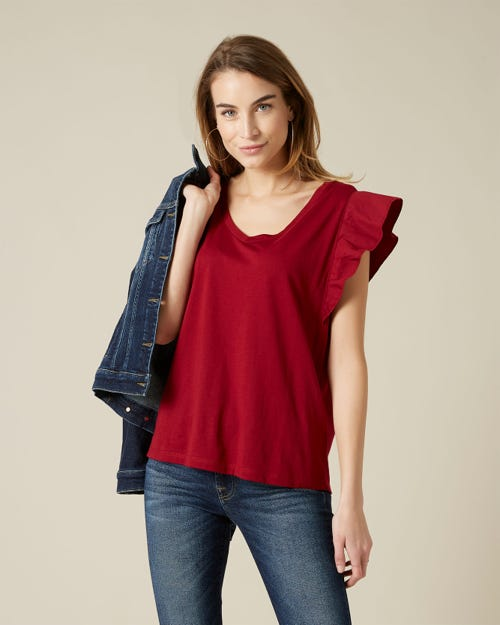RUFFLE V NECK TEE CUTIL RUFFLE ON SLEEVES GARNET