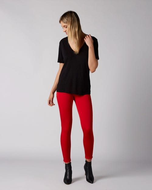 THE SKINNY CROP UNROLLED COLORED SLIM ILLUSION RED