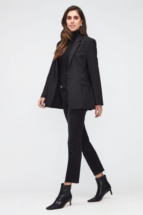 THE STRAIGHT CROP SOHO BLACK  WITH RAW CUT